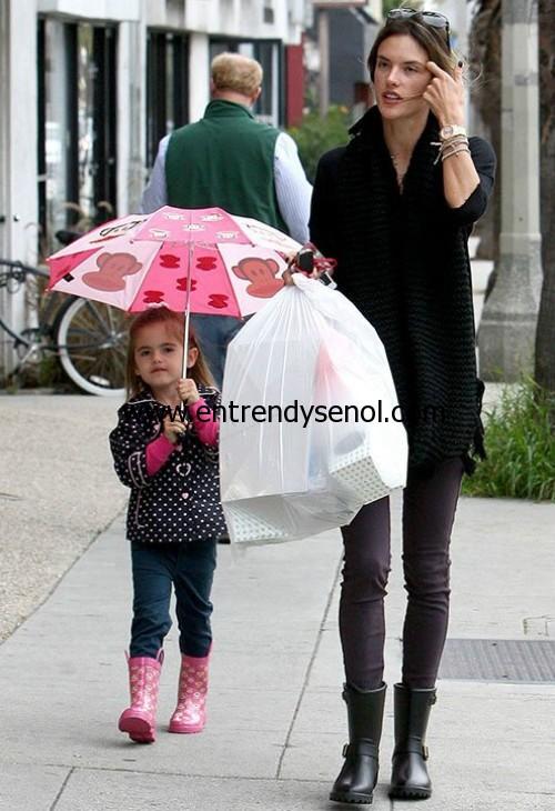 DAV yağmur çizmesi celebrity style DAV rain boots alessandra-ambrosio-dav+3