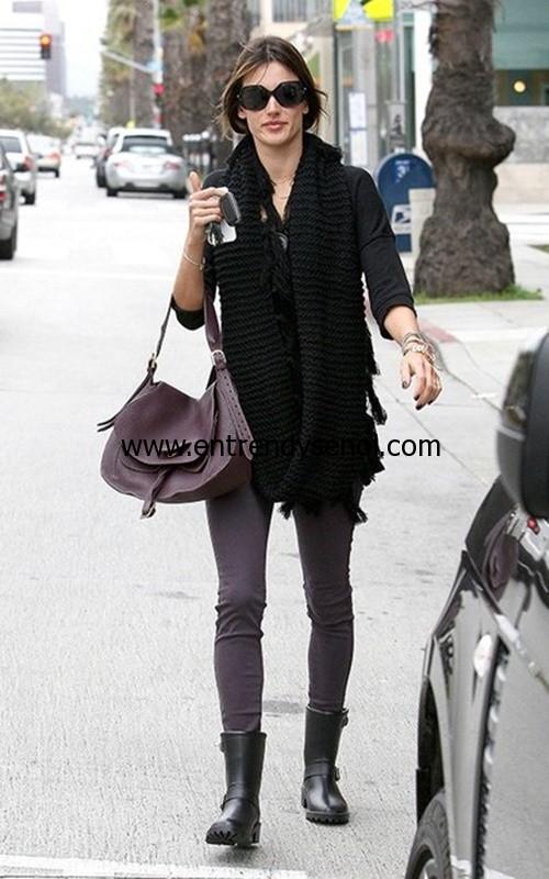 DAV yağmur çizmesi celebrity style DAV rain boots alessandra-ambrosio-dav